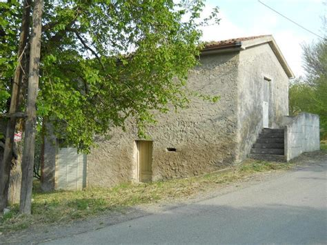 cottages for sale in italy properties for sale in abruzzo rustic cottage for sale in