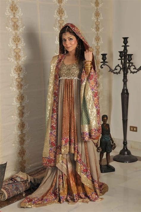 crazy girls style trends in pakistani wedding dresses