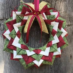 Patchwork Wreath Pattern - 17 best images about www no sew ornaments on