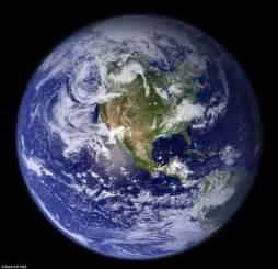 смотреть картинки земля из космоса