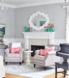 7 rooms that boot out winter with throw pillows