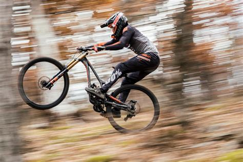 commencal dh supreme commencal supreme dh sends it big with new 29er downhill