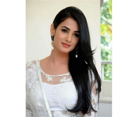 sonal chauhan sister 7 bollywood celebs who are from royal families