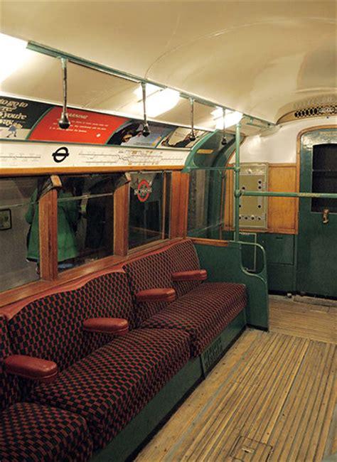 years   london underground  pictures travel