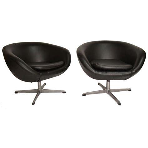 pair classic overman swivel pod chairs  black vinyl ca pod chair chair ergonomic