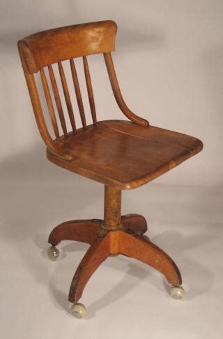 visuel chaise de bureau bois