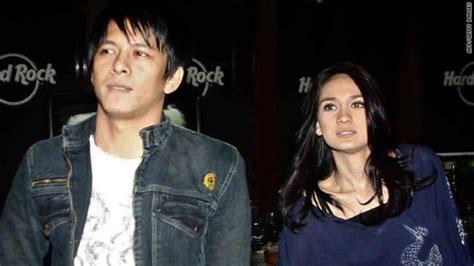 indonesian luna maya cut tari and nazril ariel facebook d lounge kasus aril luna maya cut tari dunia barat