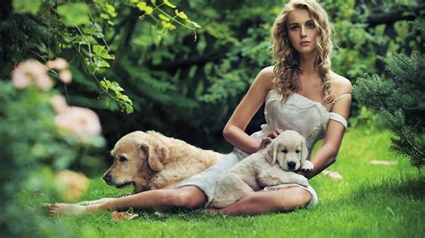 Wallpaper Beautiful girl with a dog in the grass 2560x1600 ... Iphone 5c Green Wallpaper