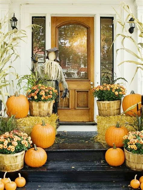 fall decorations for front porch and fall front porch decoration ideas