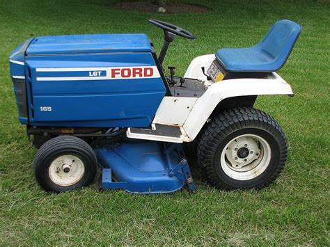 Ford Garden Tractor by Ford Lgt 165 Lawn Tractor W 42 Quot Mower Deck And A Set