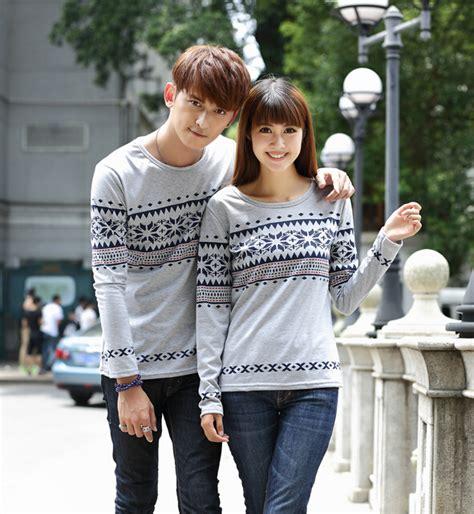 desain baju couple lengan panjang model baju couple lengan panjang unik dan menarik