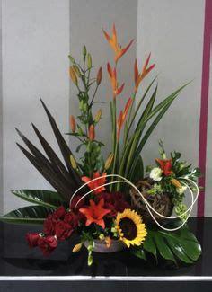 Bandana Karangan Bunga arreglo floral con flores tropicales arreglos florales