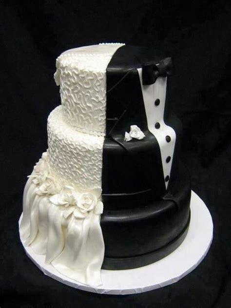 Cake half bride half groom   y u m   Pinterest   Cute