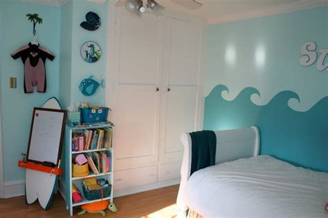 surf bedroom decorating ideas cool surfing bedroom design for a little girl kidsomania