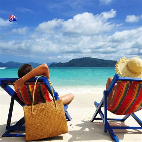 Dress Pantai Preloved intip gaya busana zaskia sungkar liburan ke bali