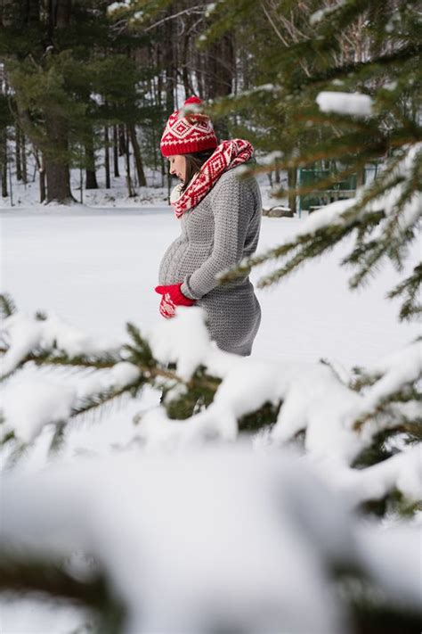 adorable winter maternity pictures babypreppingcom