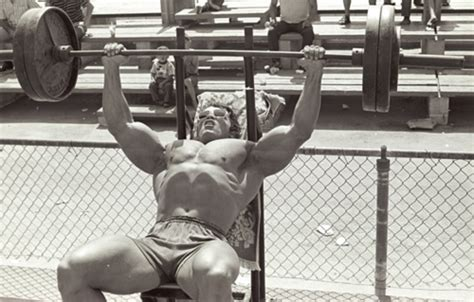 dolph lundgren bench press pyramid training arnold schwarzenegger
