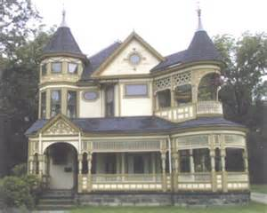 Queen Anne House by Queen Anne House Style