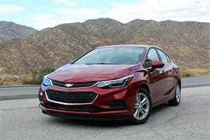 2017 chevrolet cruze autoguide car of the year