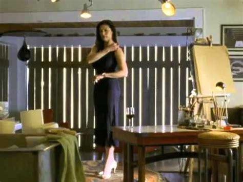 Mimi Rogers Door In The Floor dveře v podlaze 2004 trailer