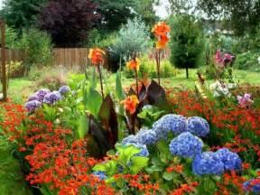 blumengarten gestalten problembereiche im garten k 246 nnen attraktiv aussehen