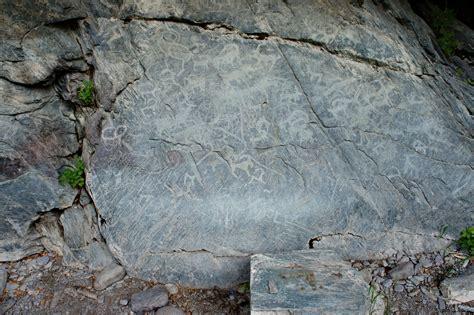Скалы у моря рисунки