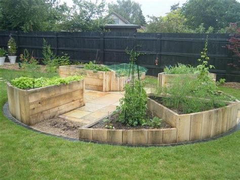 learn   build   shaped raised garden bed home