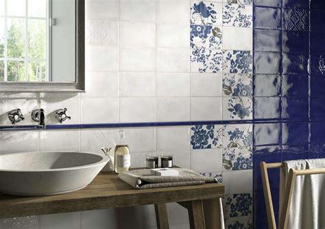decori per bagno piastrelle per il bagno rustico foto design mag