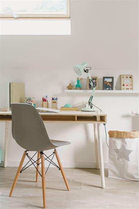 escritorios habitacion habitaci 243 n para ni 241 os en madera con un escritorio