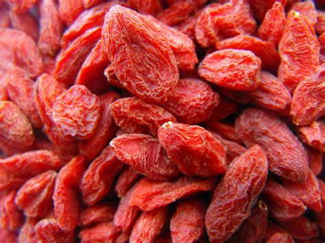 Goji Berry which berry is the best for you strawberry blueberry goji berry