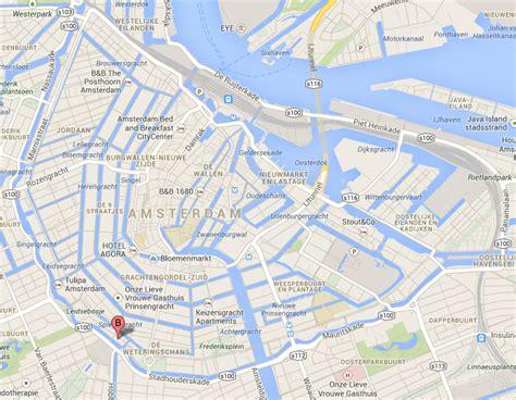 bootje amsterdamse grachten bootje varen door de amsterdamse grachten trajectum