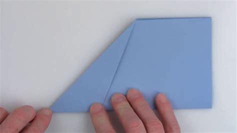 World Record Folding Paper - ギネス記録保持者が教える 世界で最も遠くまで飛んだ紙飛行機の折り方 gigazine