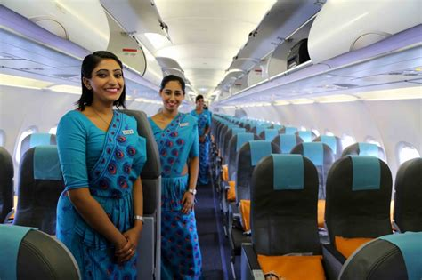 airlines   world    cabin crew uniforms