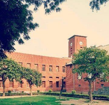 Mba In Srcc Du by Which Is The Best College In Delhi For Economics Hons St