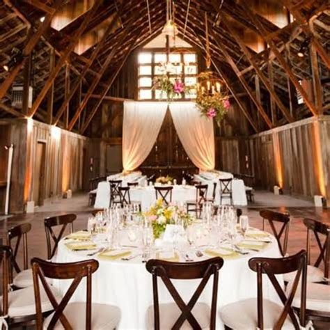 barn decorating ideas wedding in a barn ideas wedding ideas 2018