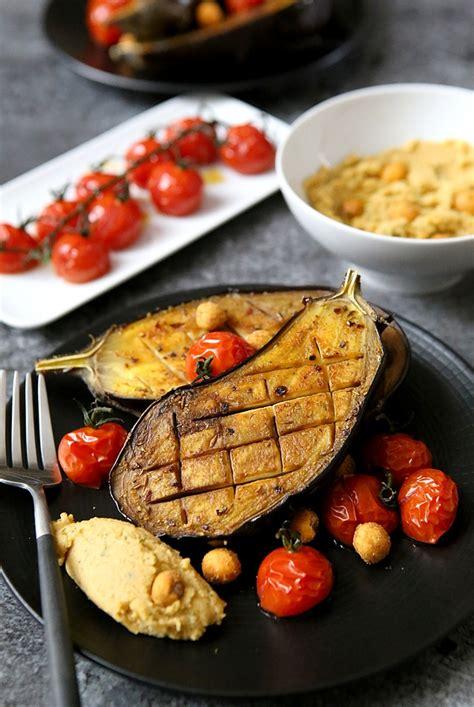 cuisiner les aubergines au four aubergines r 244 ties au four ou au barbecue gourmandiseries