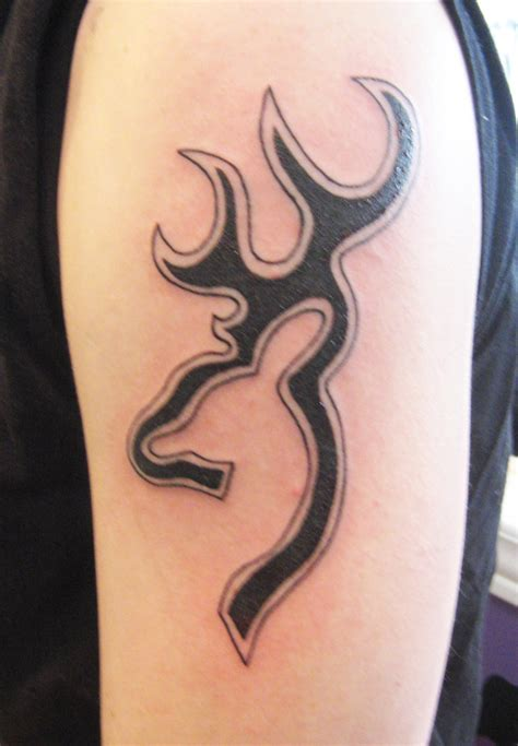 tribal tattoo outline buck tribal tattoos www pixshark images galleries
