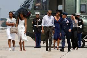 where did obama vacation barack obama interrupts martha vineyard vacation to