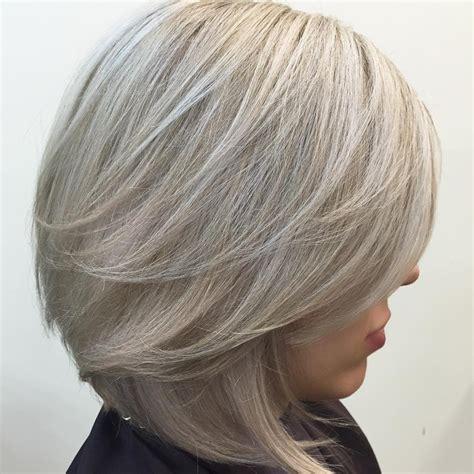 short v shaped bob coupes magnifiques pour cheveux fins coiffure simple et