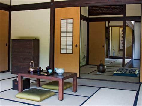tatami tisch wohnung einrichten im japanstil mit futonbett und tatami tisch