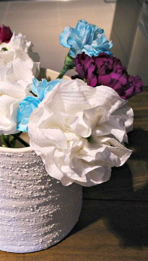 Make Toilet Paper Flowers - flowers made out of toilet paper seriously you guys