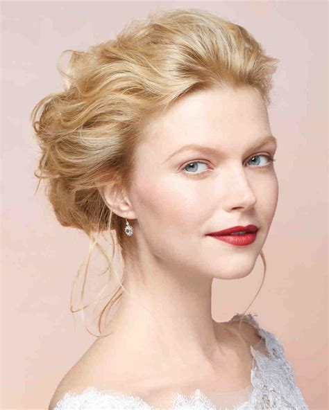 Do It Yourself Wedding Hairstyles For Medium Length Hair by Diy Wedding Hairstyles Martha Stewart Weddings