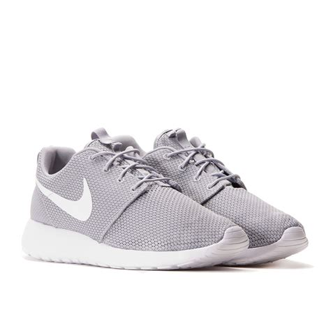nike roshe run wolf grey white