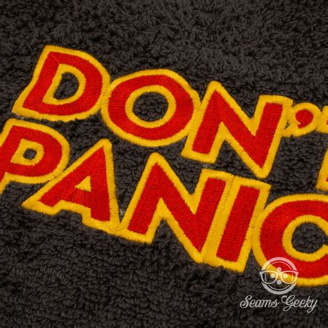 hitchhikers in the bathroom the hitchhiker s guide to the galaxy quot don t panic quot bath