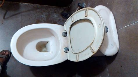 how to use a commode chair how to use toilet