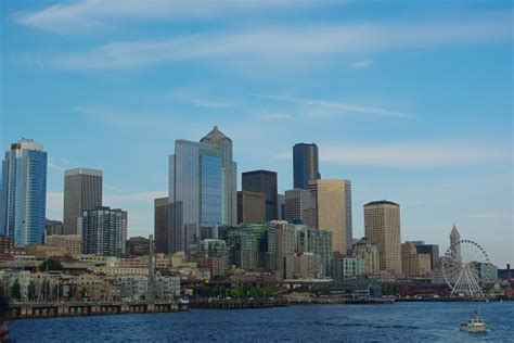 boat tours of seattle top things to see and do in seattle uncharted101