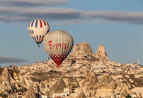 camini delle fate mongolfiera cappadocia cade mongolfiera turistica nell area dei
