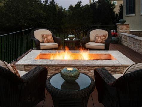 feuerstelle auf terrasse moderne ethanol feuerstelle sorgt f 252 r romantik