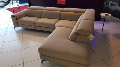 divani lissoni outlet divano francoferri lissoni con recliner elettrico e