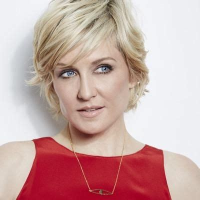 hairstyle of amy carlson 25 best ideas about amy carlson on pinterest blue